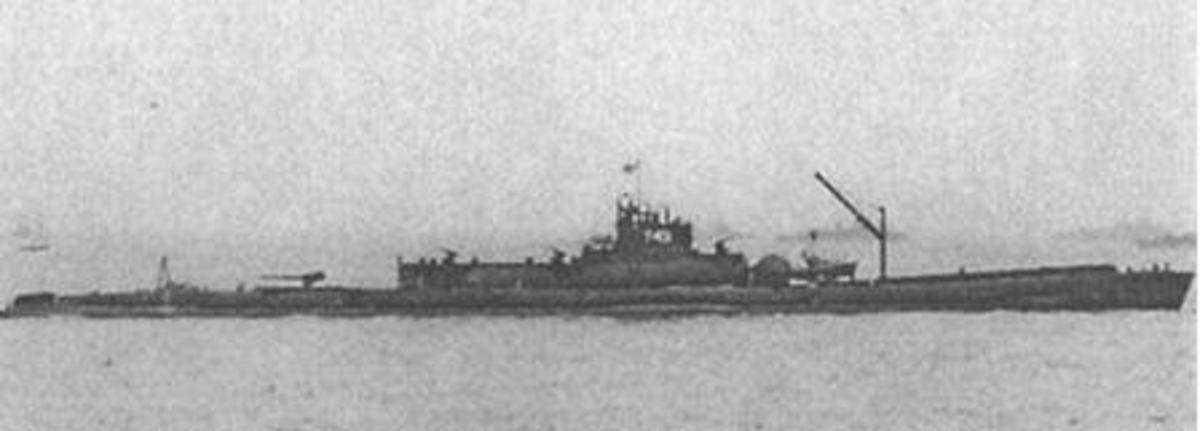 The I-14 sub- 400 ft long