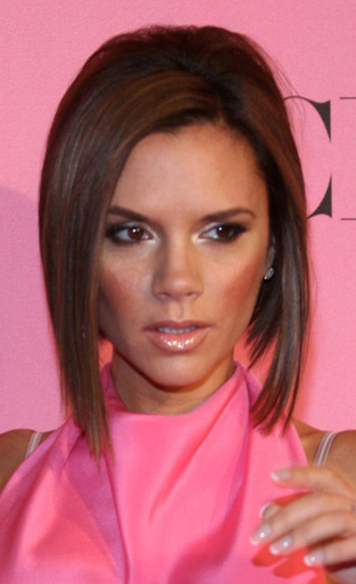 victoria beckham short inverted bob hairstyle pics