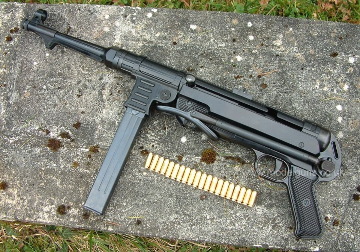 MP40, the German submachine gun issued to sergeants and squad leaders