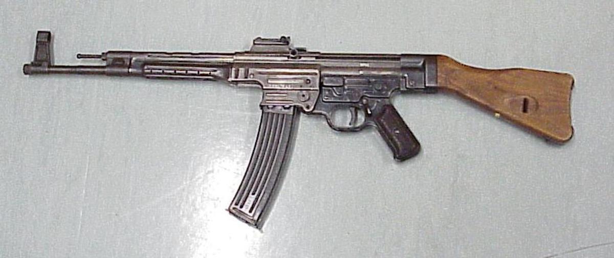 """StG-44, the first """"assault rifle"""""""