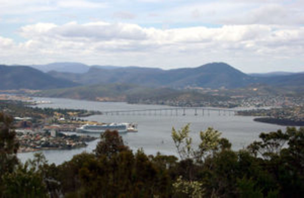 Beautiful Hobart Town.  Once again it's harbour's shores are linked together by the Tasman Bridge.  Let's hope there are no more of what happened in 1975
