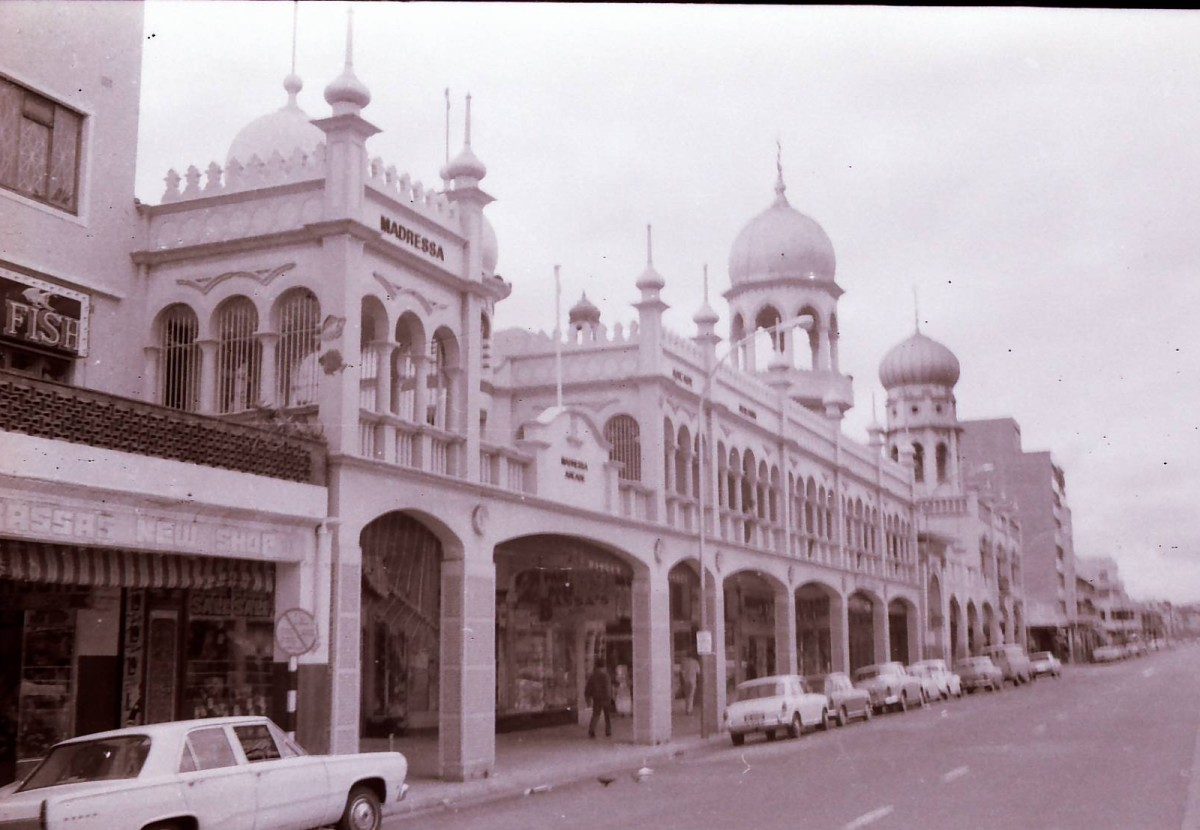 The Mosque and Madressa Arcade in Grey Street, Durban. Photo Tony McGregor