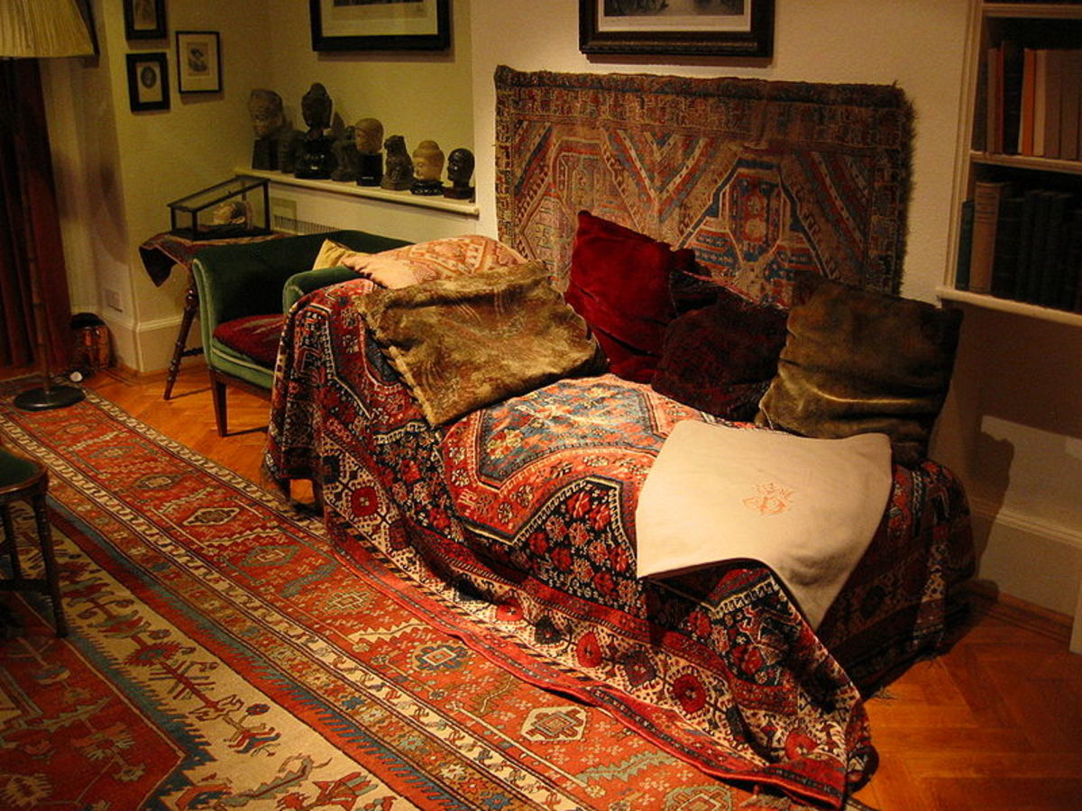 Freud's sofa. Image: Wikipedia