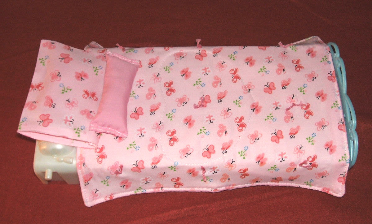 how to make a doll blanket and pillow