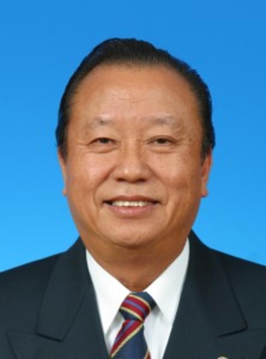 Datuk Robert Lau Hoi Chew (15 September 1942  9 April 2010) - cancer deaths
