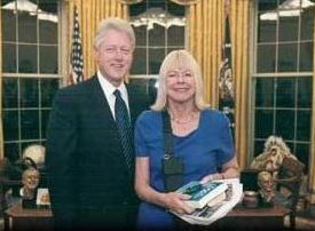 Linda Grover with President Clinton (January 28, 1934 - February 20, 2010), cancer death