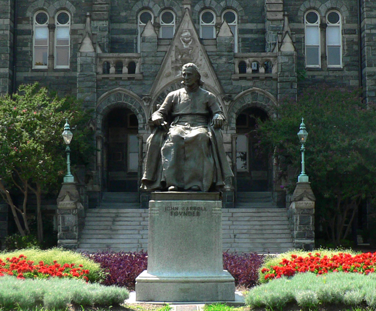 STATUE OF FATHER JOHN CARROLL AT GEORGETOWN UNIVERSITY, SCULPTED BY JEROME CONNER