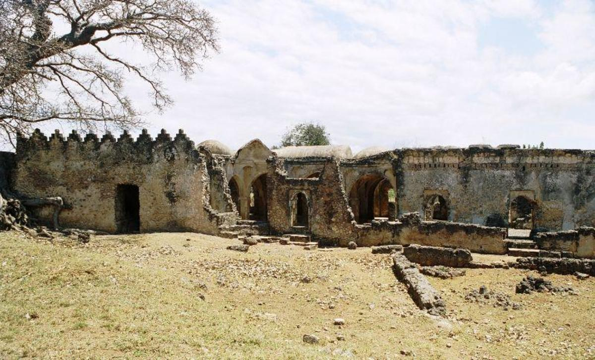 The old mosque was a sprawling structure covering extensive grounds