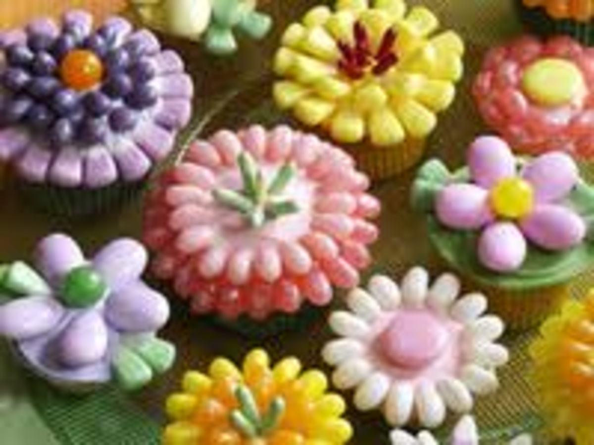 FRESH SPRING FLOWER CUPCAKES