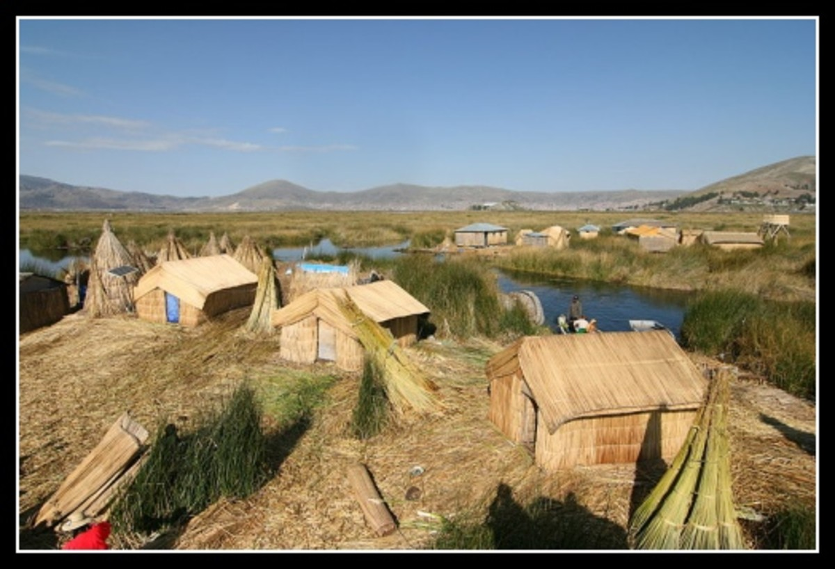 Peru - Reed houses on Uros Island