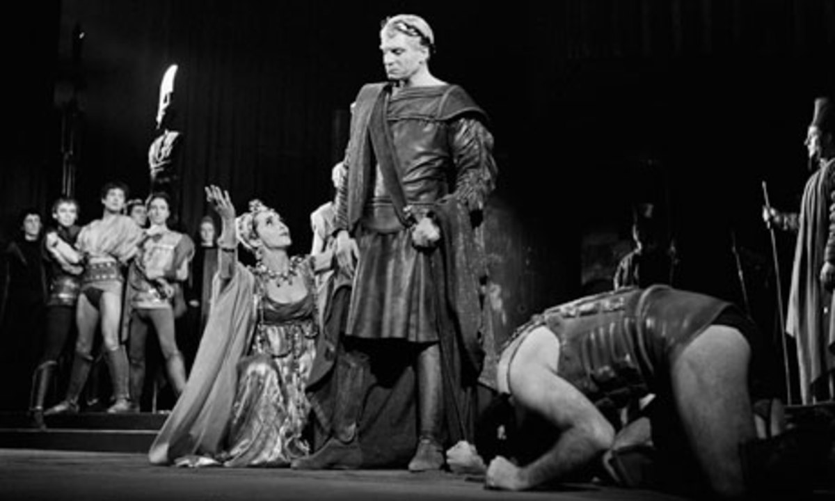Laurence Olivier's Titus is deaf to Tamora's pleas at the beginning of Brook's Titus
