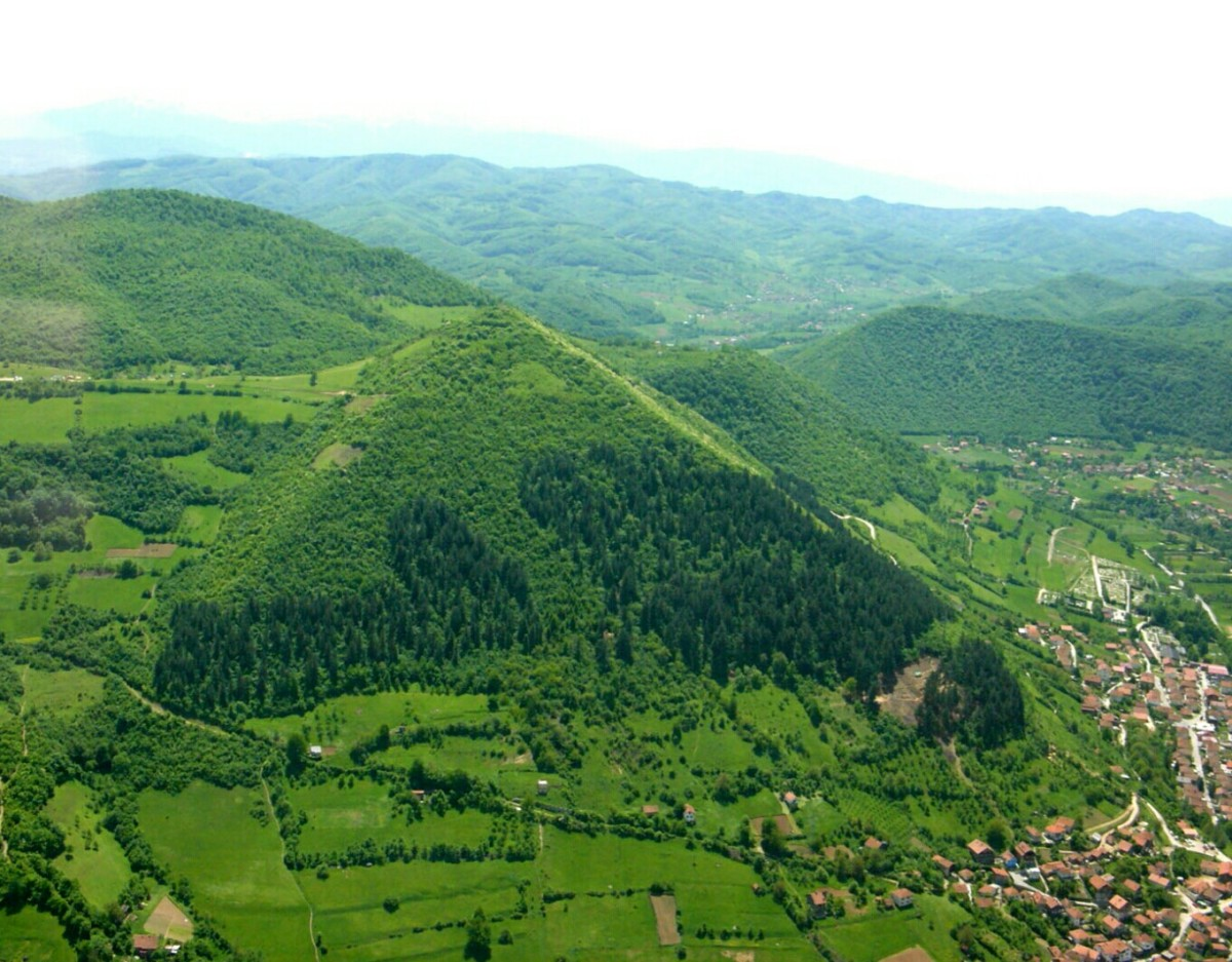 The Bosnian Discoveries: Great Pyramids or Mountains out of Molehills?