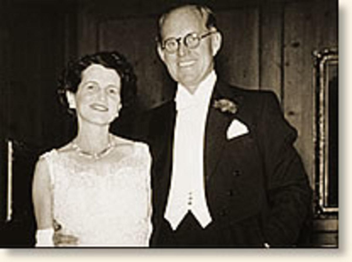 Joseph and Rose Kennedy - parents of JFK photo courtesy of eyewitnesstohistory.com