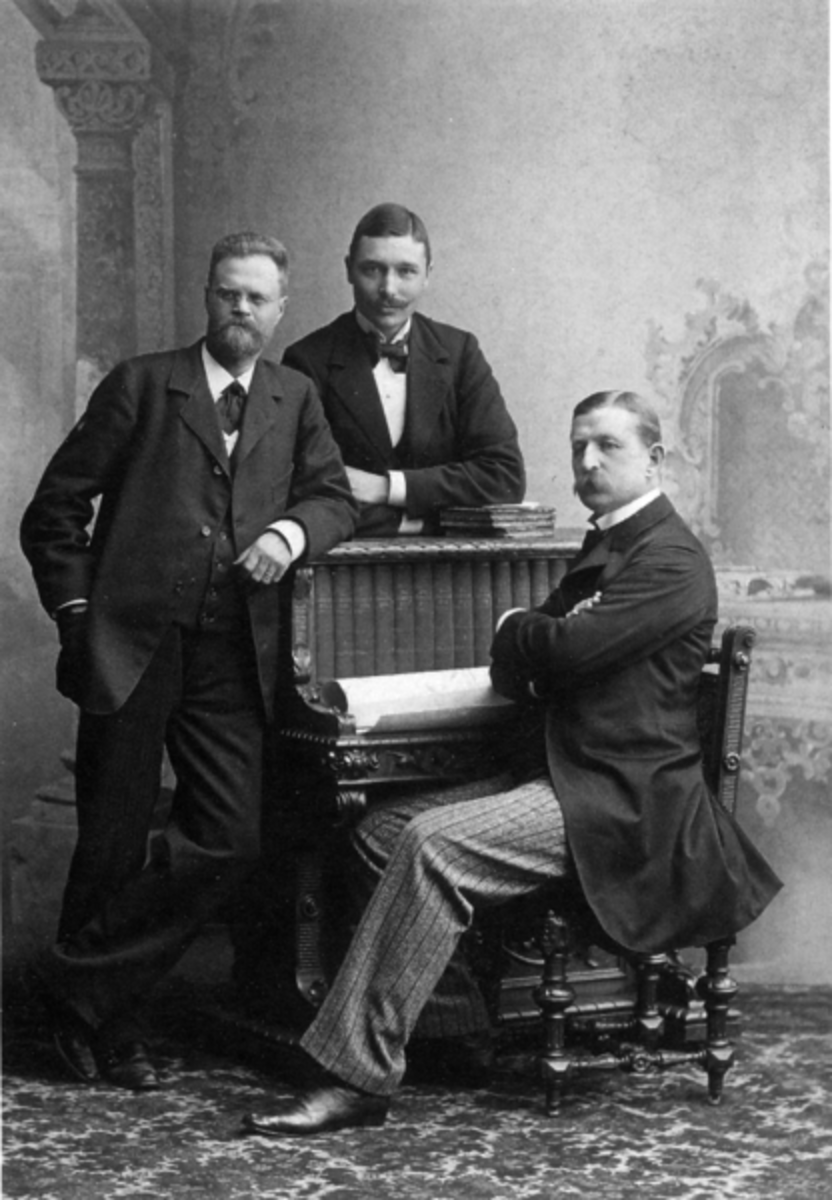 The crew for the first attempt on the Pole, 1896.  From left to right, Ekholm, Strindberg, and Andree.  Image courtesy of Bishonen Lundstrom & Wikipedia.