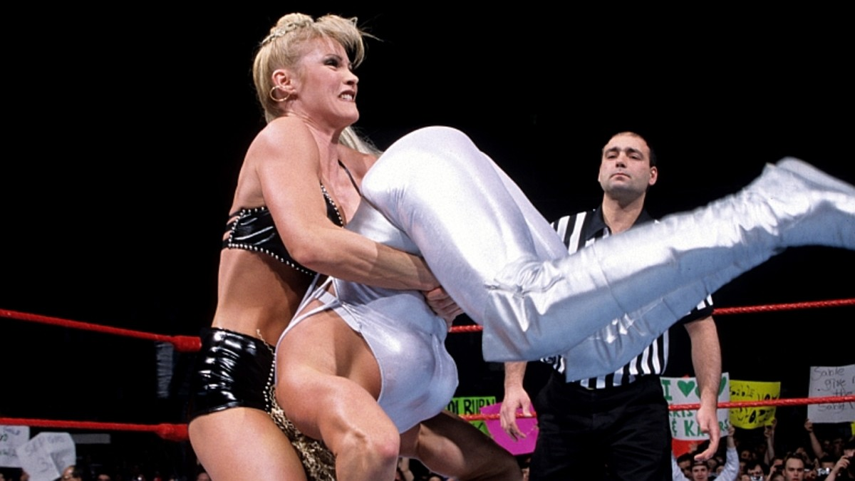 "Sable cranking up the ""Sable Bomb"""