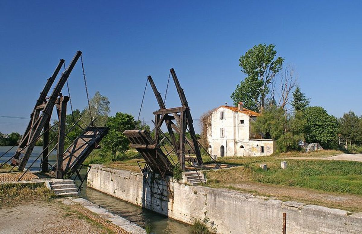 A replica of the Bridge of Langlois photographed by Guido
