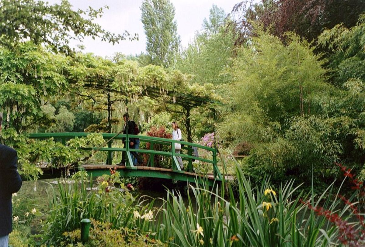 Japanese Bridge, Giverny, 2002. Photographed by Metzner. Image courtesy of Wiki Commons