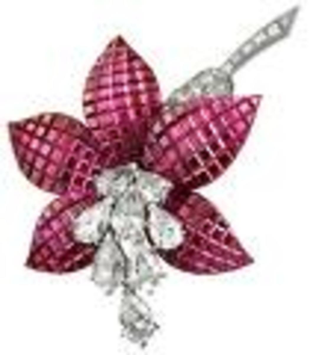 Mystery Setting first introduced by Van Cleef & Arpels - photo courtesy of fccihk.com