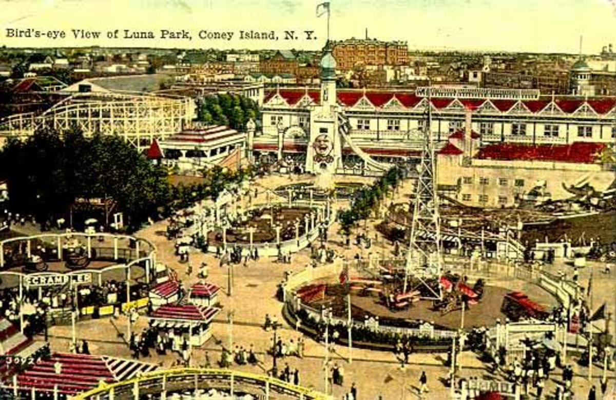 Luna Park in the 30's and 40's, Due to a fire it Burnt Down.