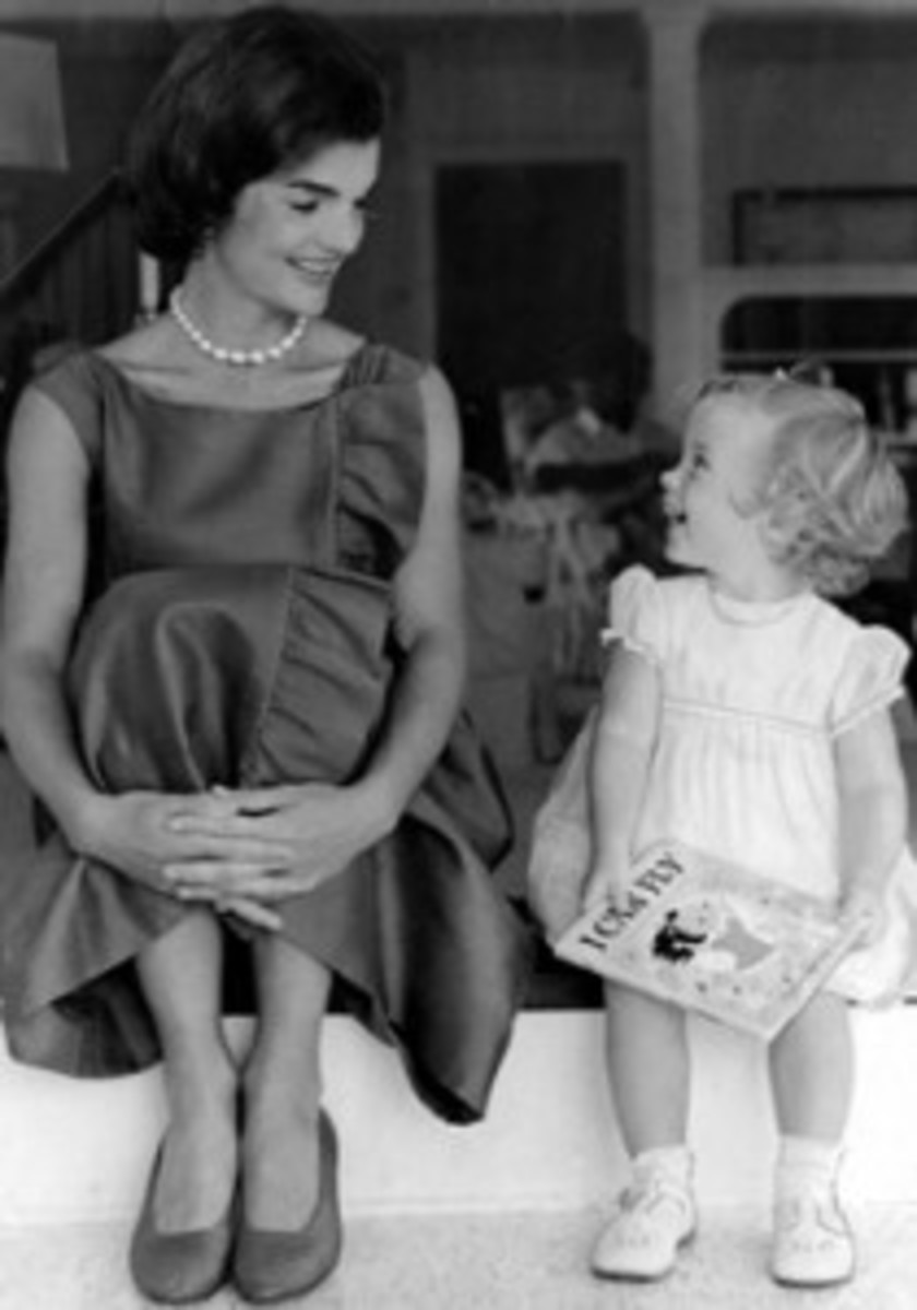 Jackie Kennedy with daughter Carolyn
