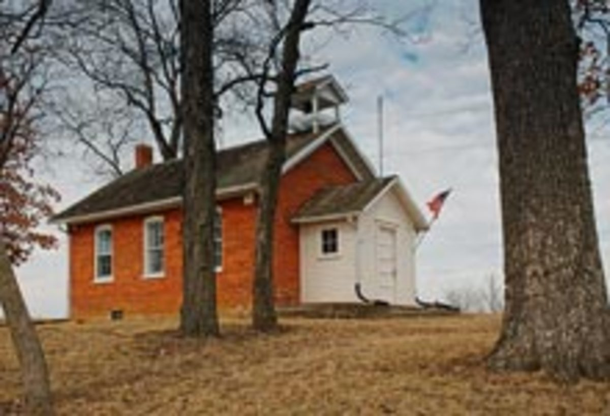 Red One-Room Schoolhouse in Iowa. Photo by Gerald Rowles, http://www.royaltyfreephoto.org/