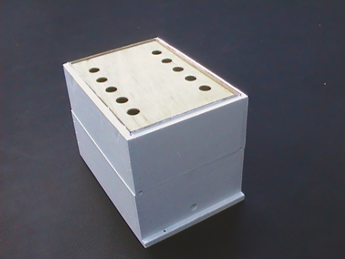 Bee Box with Separator Plate