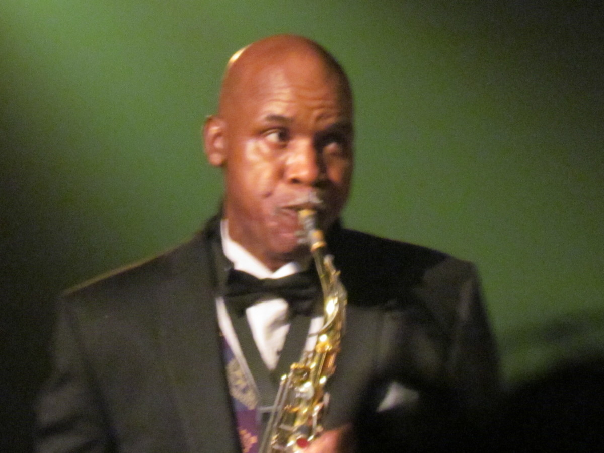 Jerry Blake, returned to The Manhattans for the evening to perform with the group for this special event.