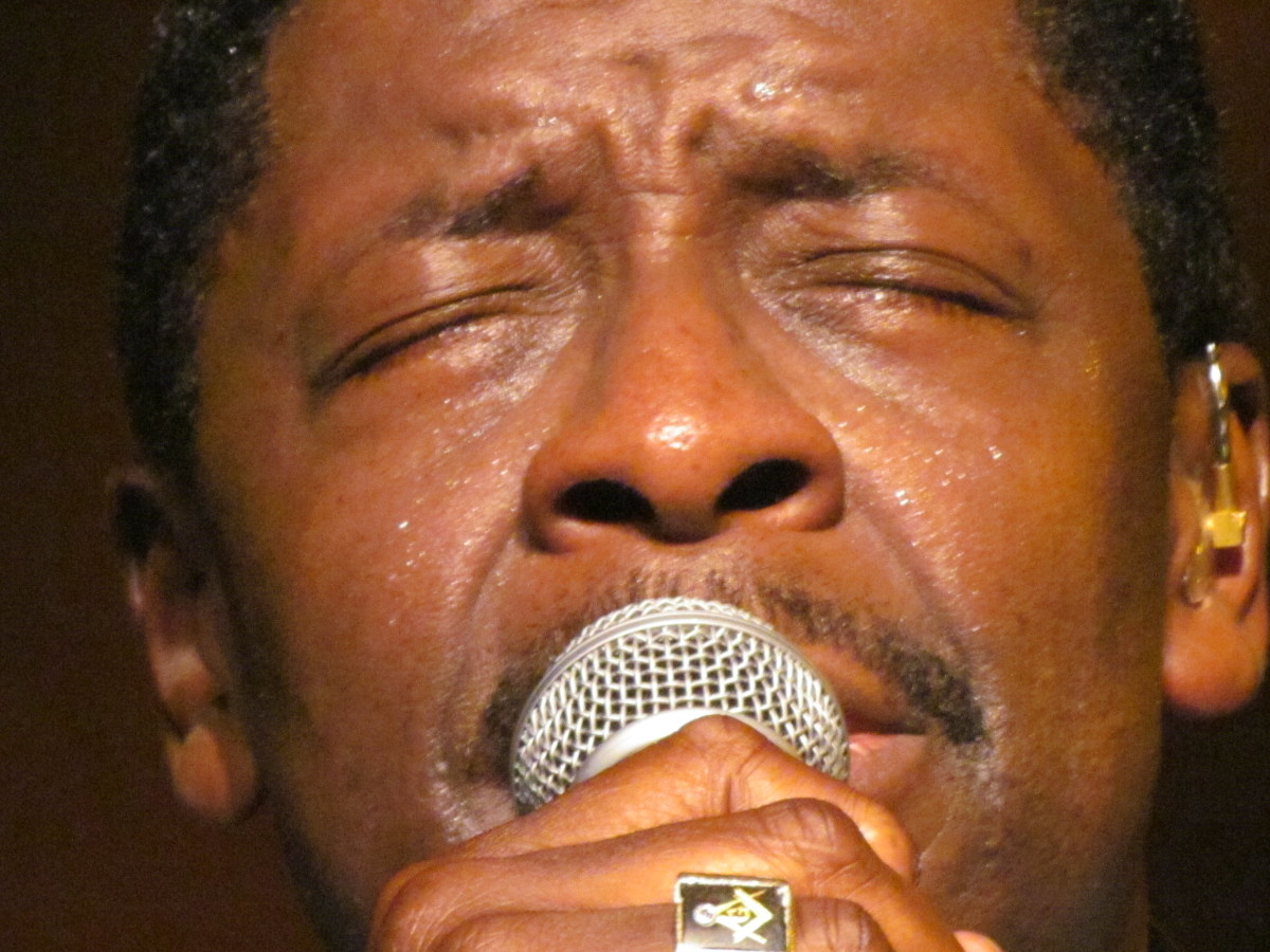 "Blue, caused the audience to laugh, as he expressed how, ""Nobody can beg like Gerald Alston,"" during a performance of ""Don't Take Your Love From Me."""