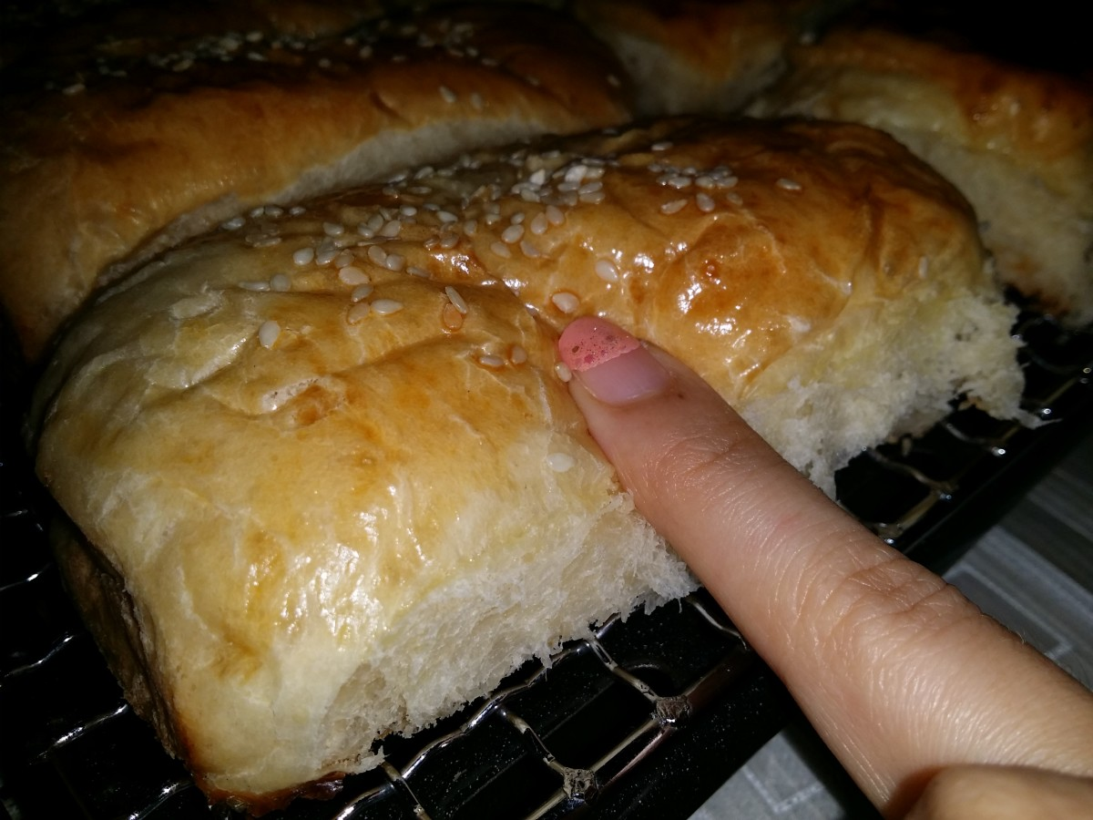 Just a note that I was not adding any pressure on the bread with my finger and I hope you can see just how soft it is!