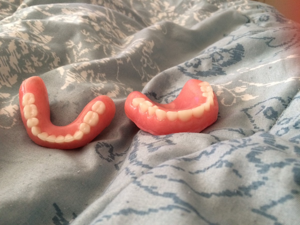What You Need To Know Right Before And Right After Getting Dentures (Written By Someone With Full Dentures)