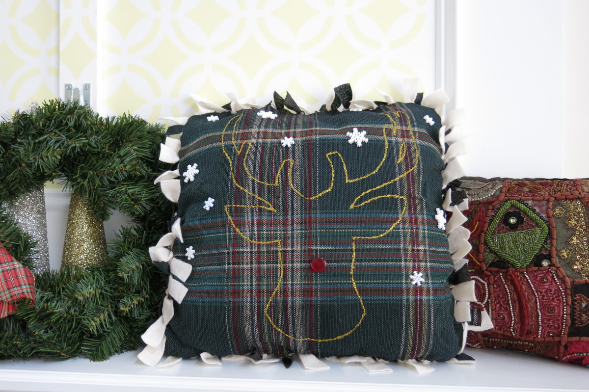 Creating a reindeer design on your holiday pillow