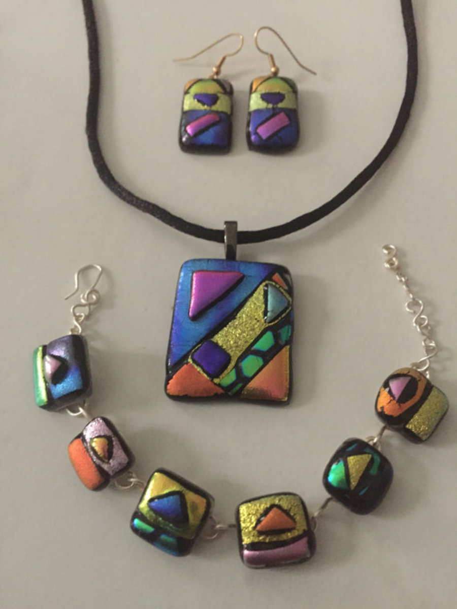 Abstract fused glass jewelry set