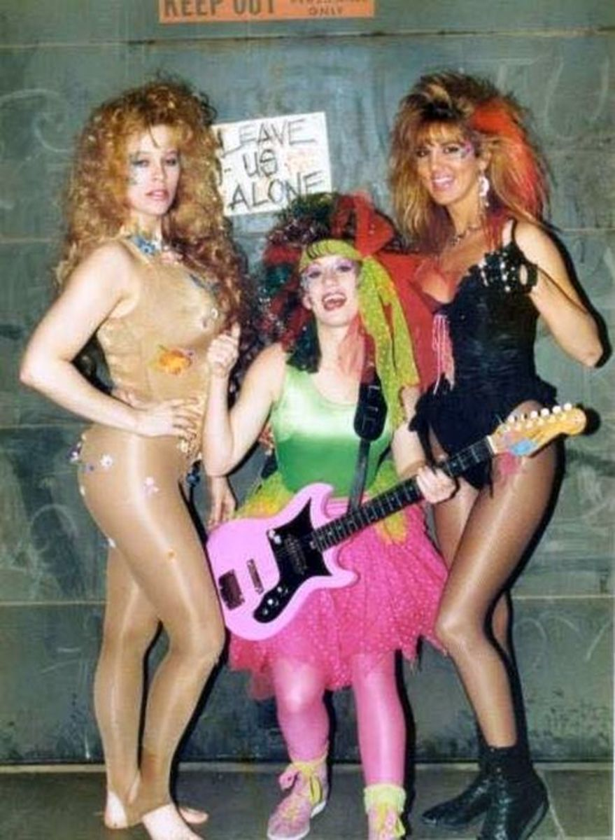 Godiva, Melody Trouble Vixen (MTV) and Hollywood - Glow Wrestling