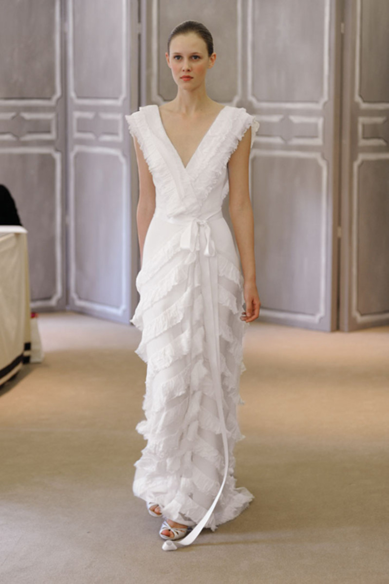 Wrap wedding dress.  Simple and beautiful!