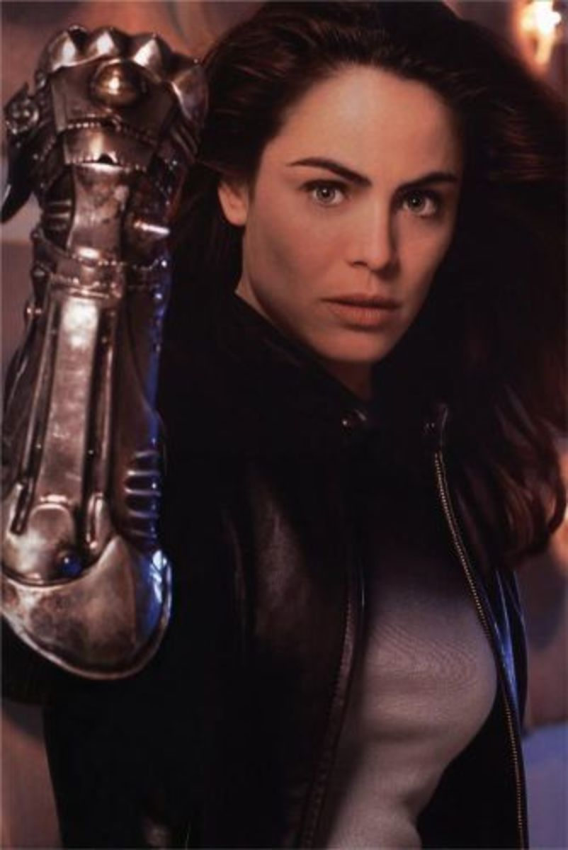 Yancy Butler as Sara Pezzini (Witchblade)