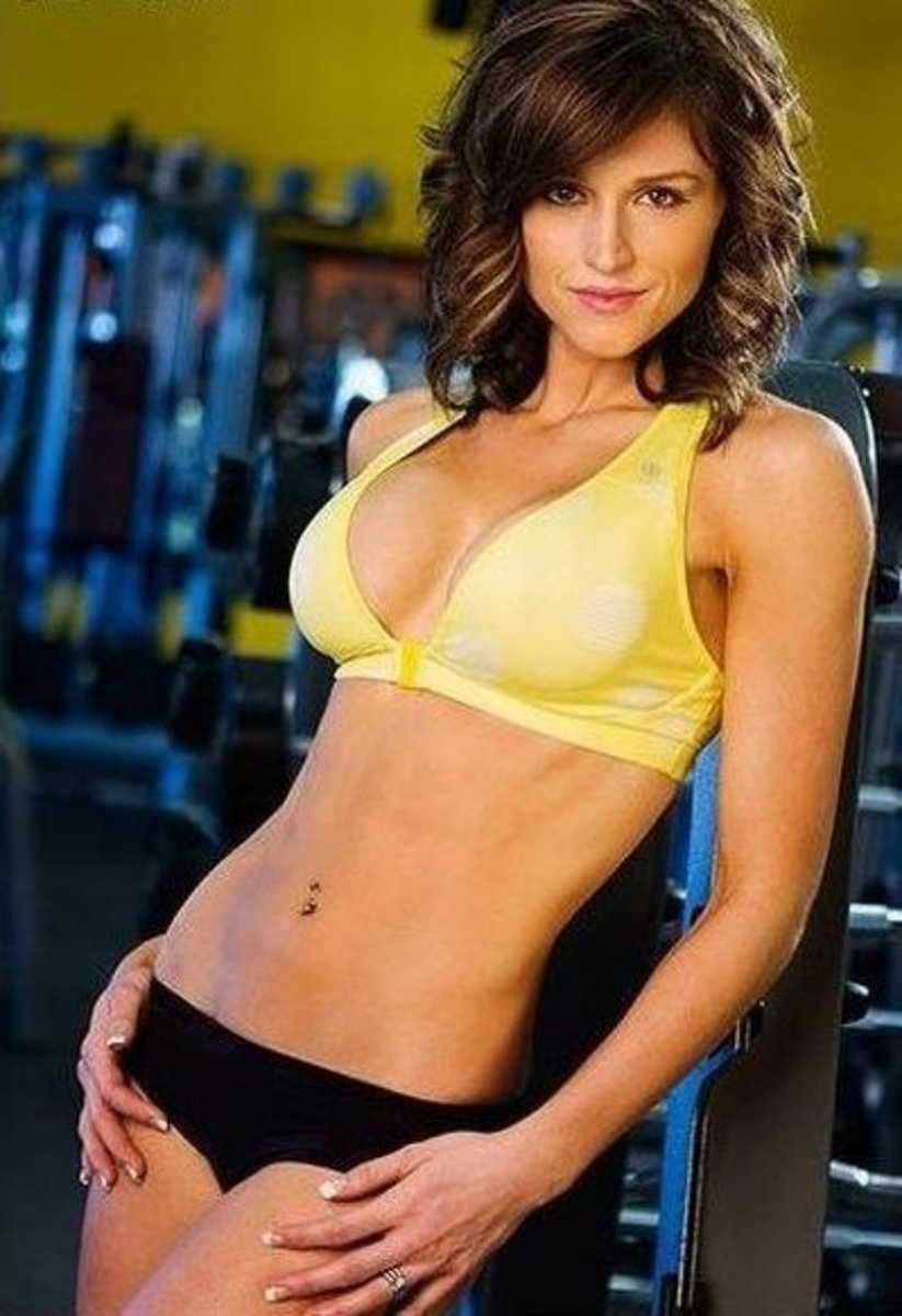 Caitlyn J Bellamy - Female Fitness Model