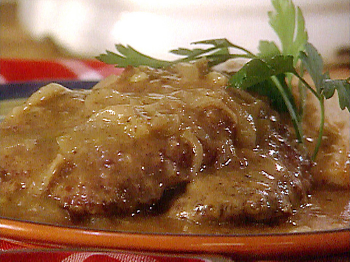 Southern Cuisine: Holle's Country Fried Deer Steaks