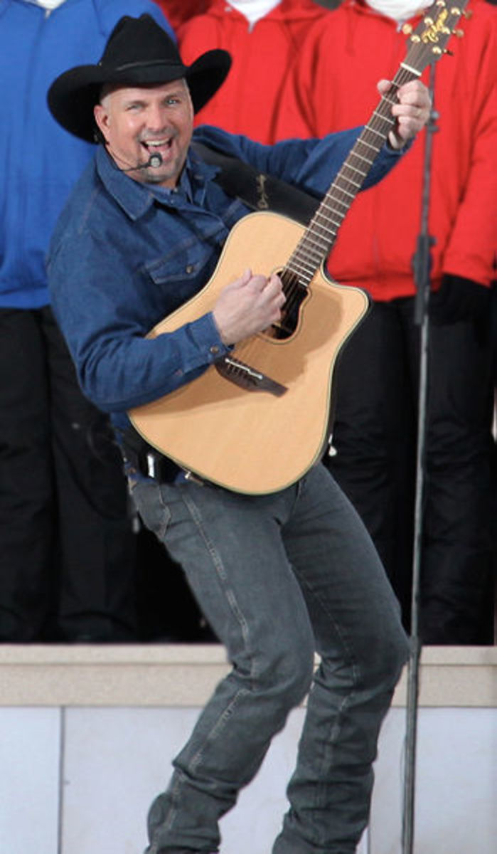 """Garth Brooks singing the Don McLean song """"American Pie"""" at the We Are One: The Obama Inaugural Celebration at the Lincoln Memorial concert."""