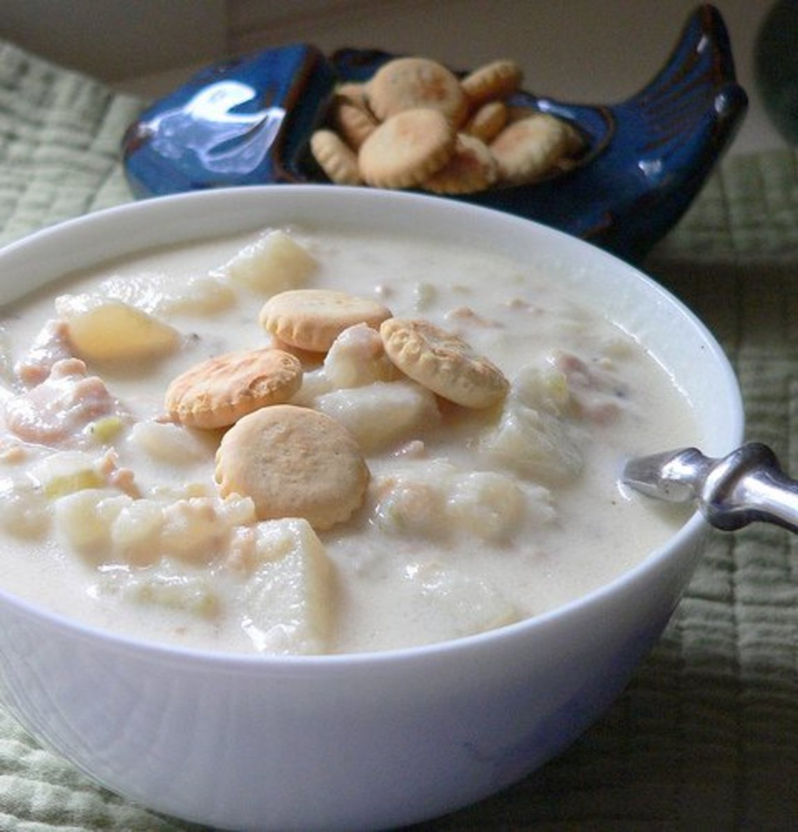 easy-recipe-for-the-best-new-england-clam-chowder