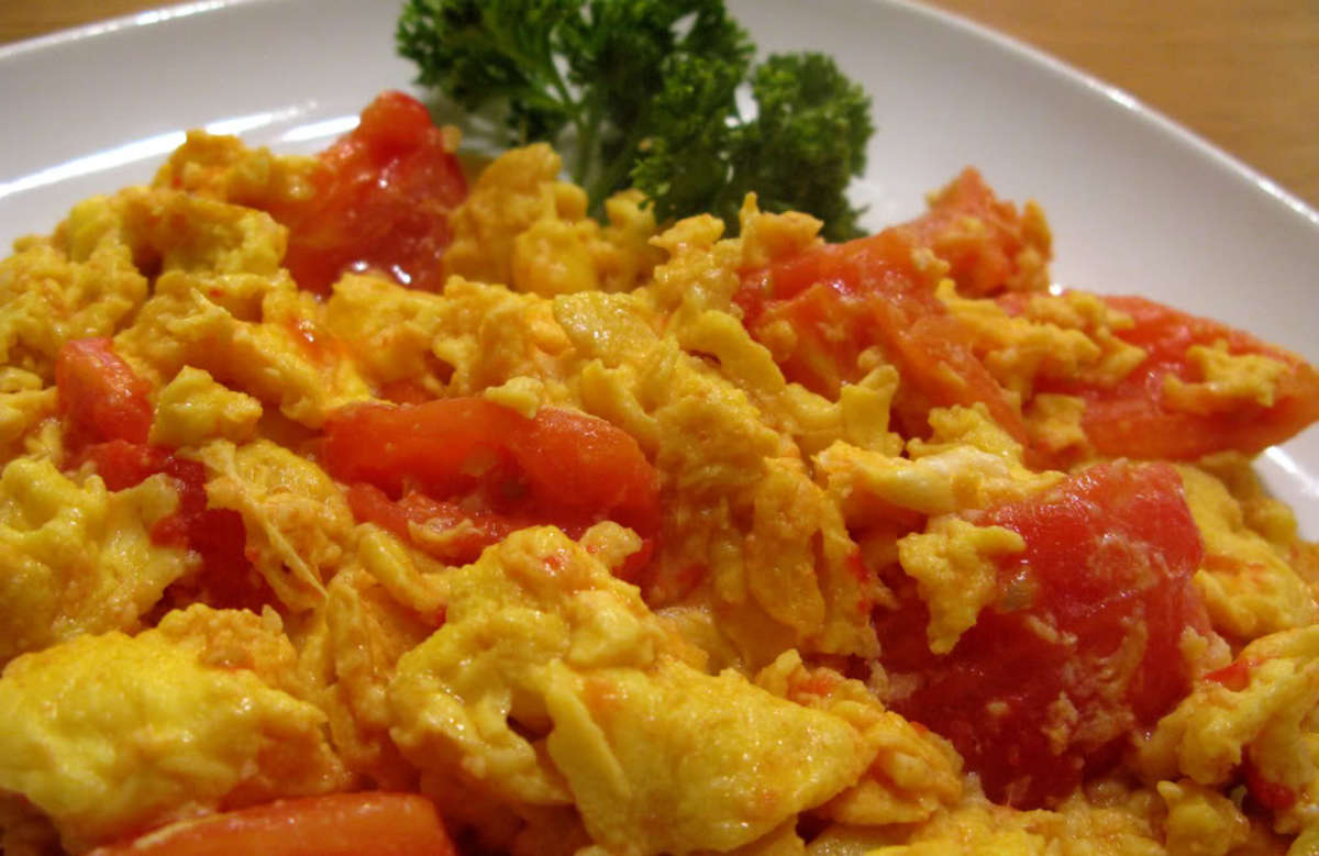 Stir fry eggs and tomatoes