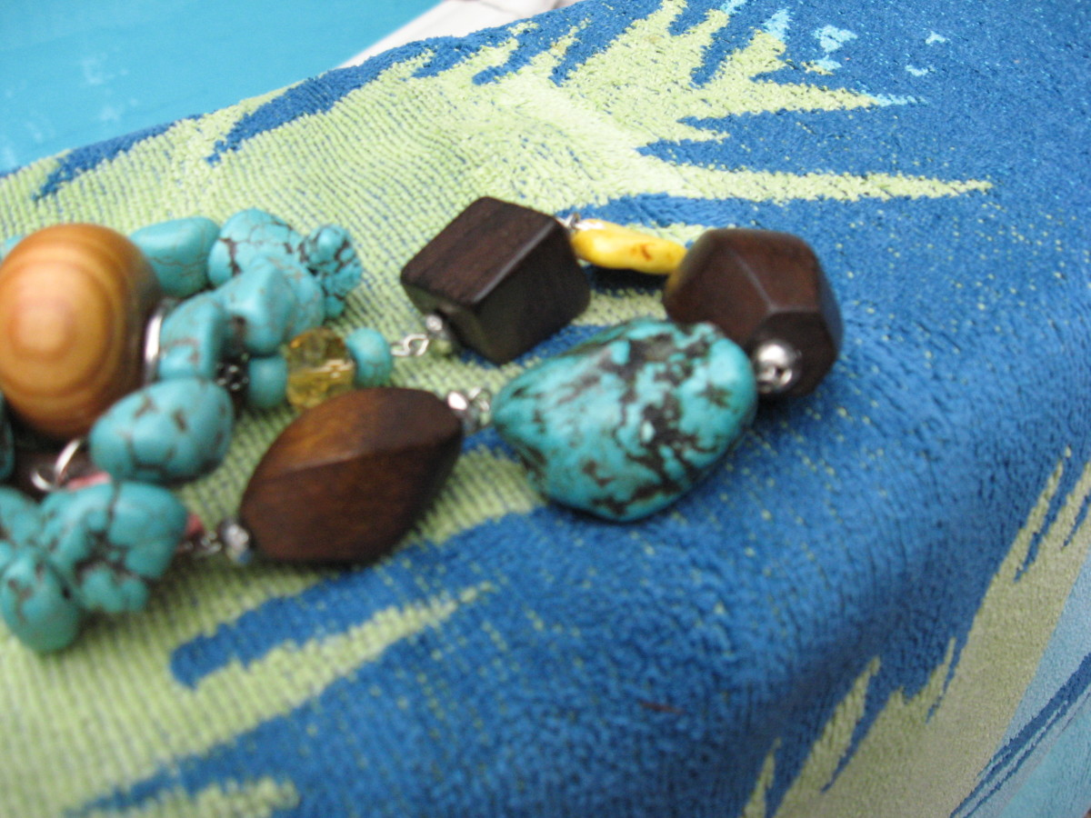 Turquoise stone often features dark veins or webbing.