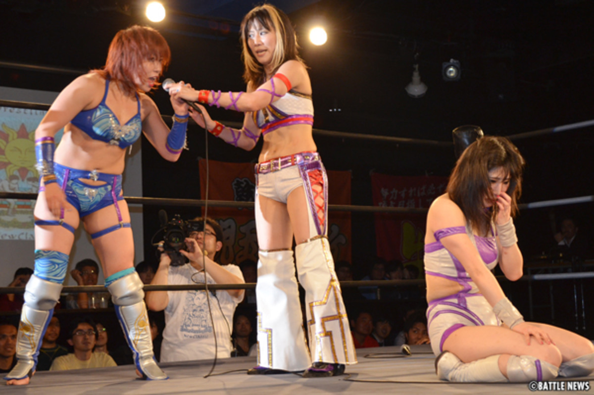 Makoto getting humiliated by Kana, which led to the match below.