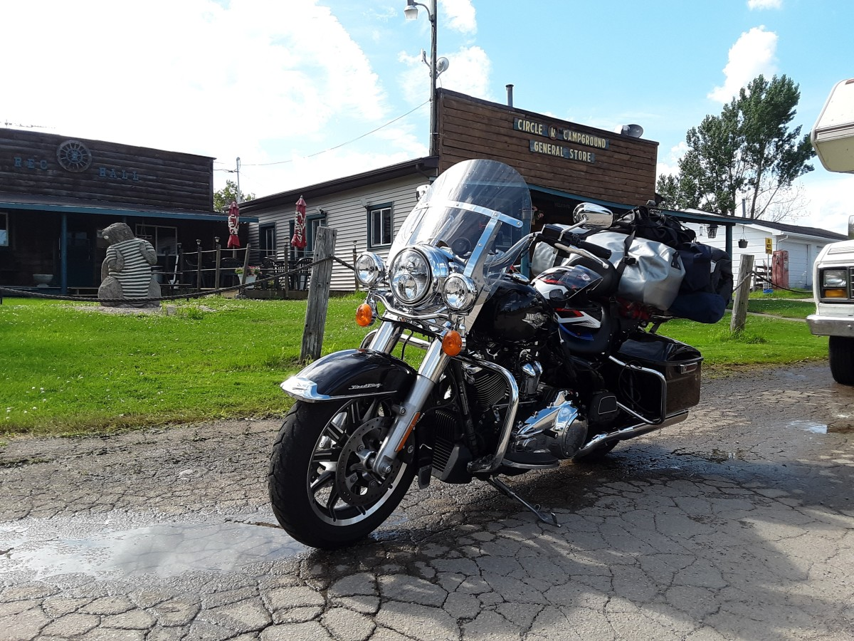 Circle R Campground with the Harley Davidson Road King shorty windshield.