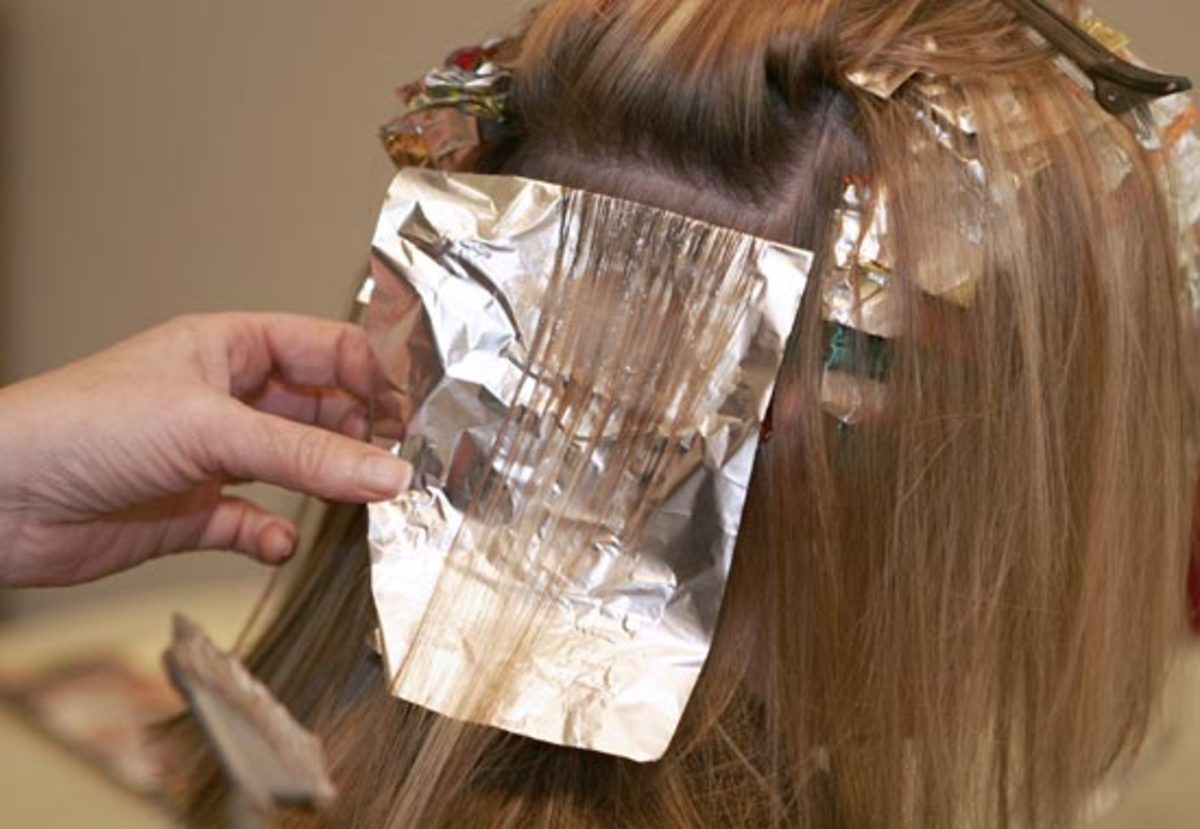 Placing the hair in the foil