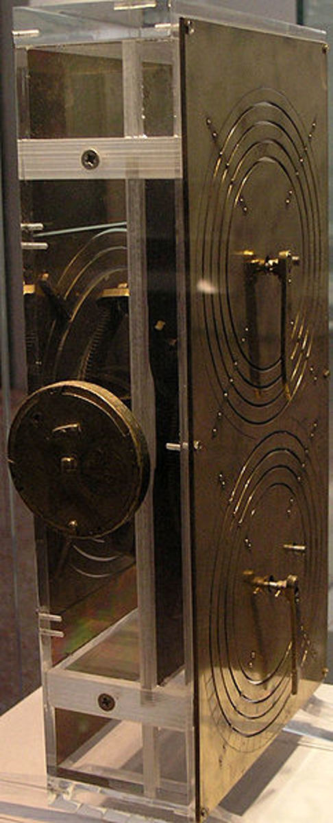 Reconstruction of the Antikythera mechanism in the National Archaeological Museum, Athens (made by Robert J. Deroski, based on Derek J. de Solla Price model)