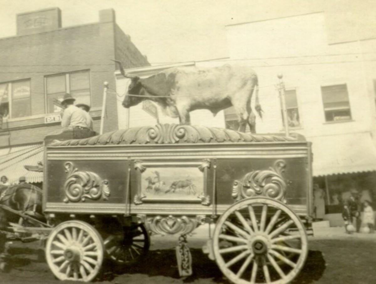 Oklahoma Circus Parade, exact location unknown, 1915
