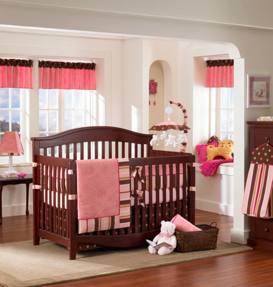 """Raspberry Truffle"" decor by Banana Fish posted on Baby Mania: http://www.babymania.com/RaspberryTrufflebyBananaFish-tp2-1289.html"