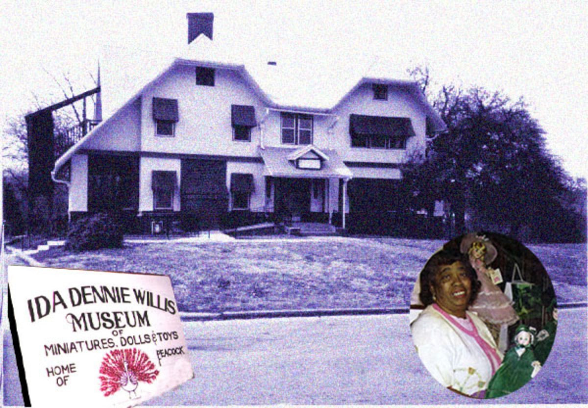 Museums in Tulsa: The Ida Dennie Willis Museum of Miniatures, Dolls, and Toys