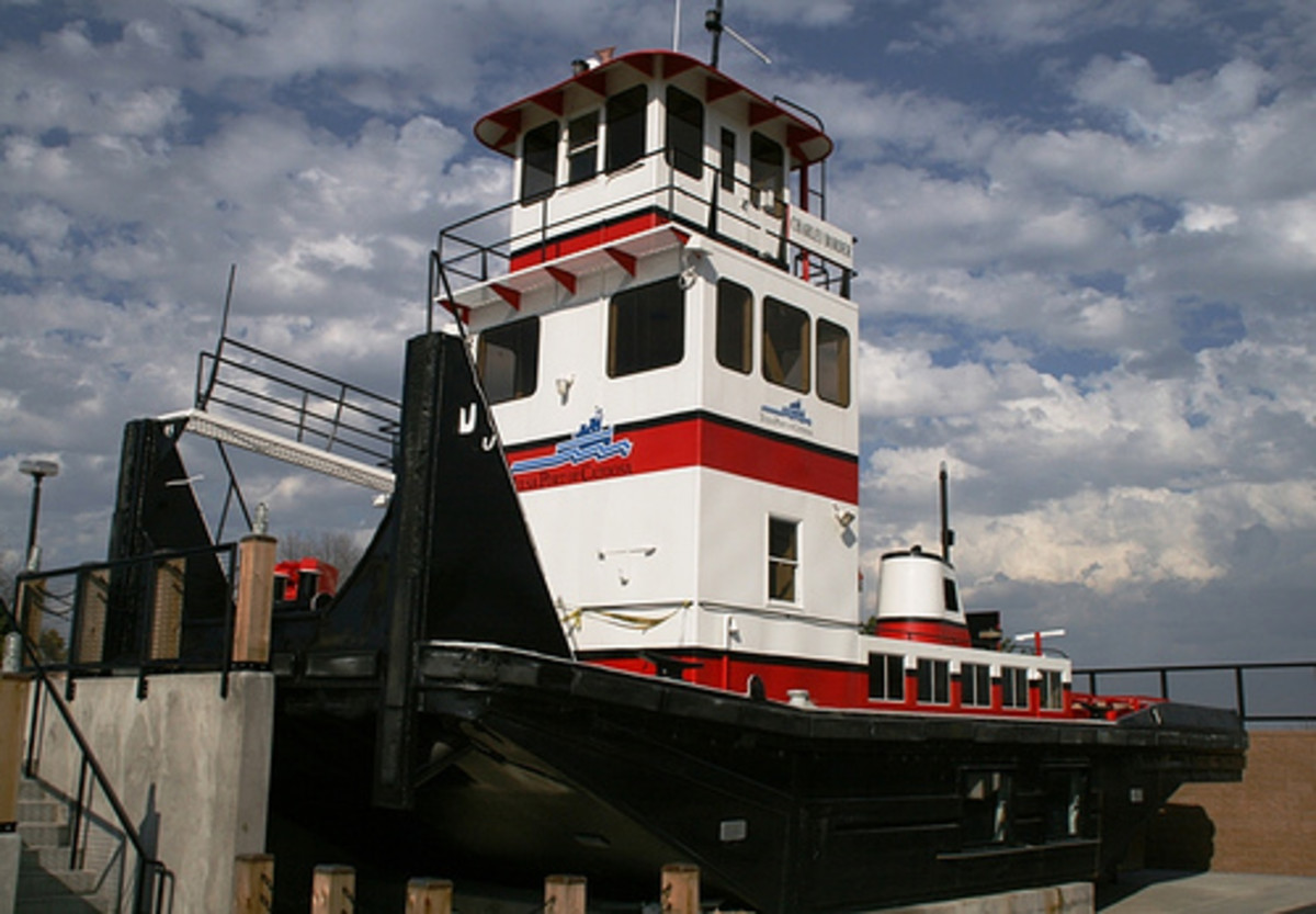Tulsa Attractions: The well-respected tug boat at the Port of Catoosa
