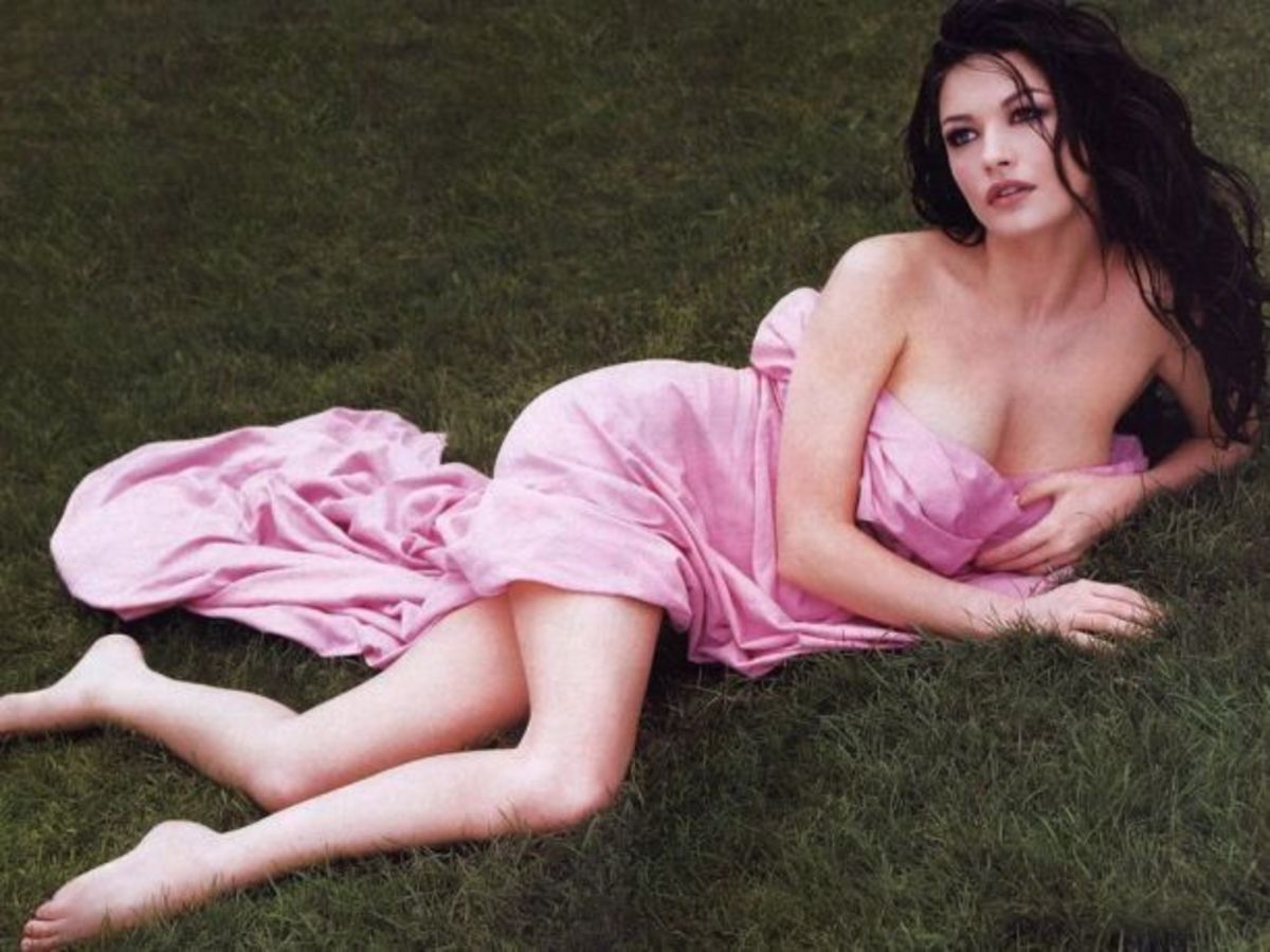 Catherine Zeta jones  Best and Famous Welsh Actors and Actresses